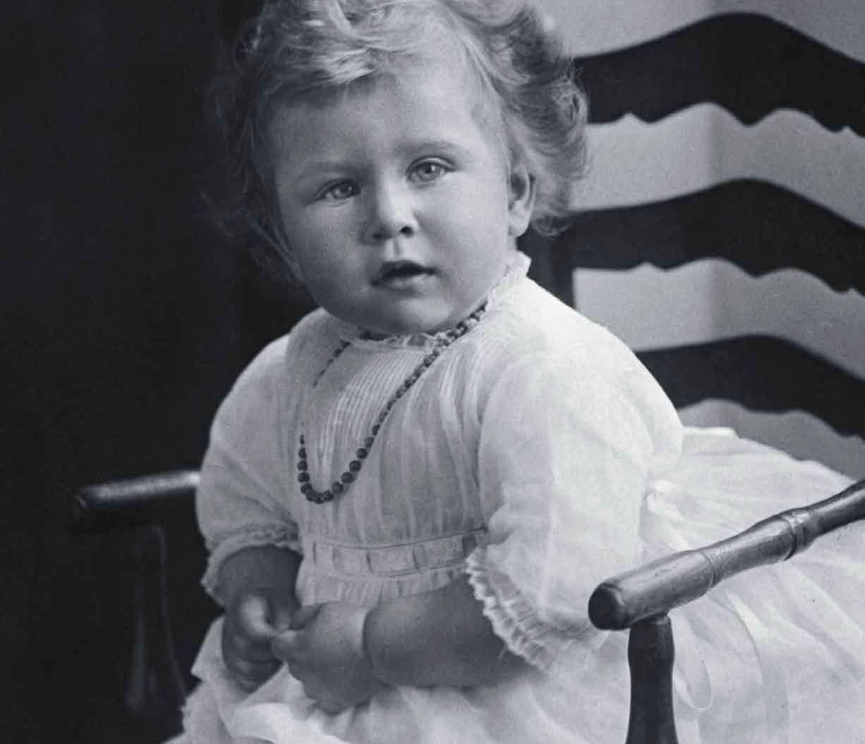 La Reina Isabel Ii Infancia Y Principado
