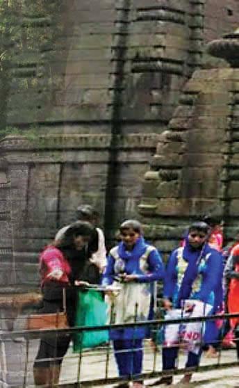 மௌனத்தின் நாதம் கேட்கிறது இங்கே!