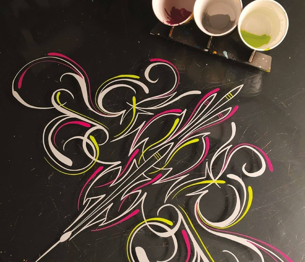 Willy White Pinstriping