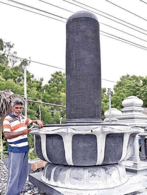 ஆந்திர கோயிலுக்காக மாமல்லபுரத்தில் 13 அடி உயர சிவலிங்கம் தயாரிப்பு