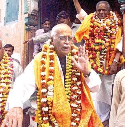 பாபர் மசூதி இடிப்பு தொடர்பான வழக்கில் குற்றம்சாட்டப்பட்ட அத்வானி, ஜோஷி உள்ளிட்ட 32 பேரும் விடுதலை