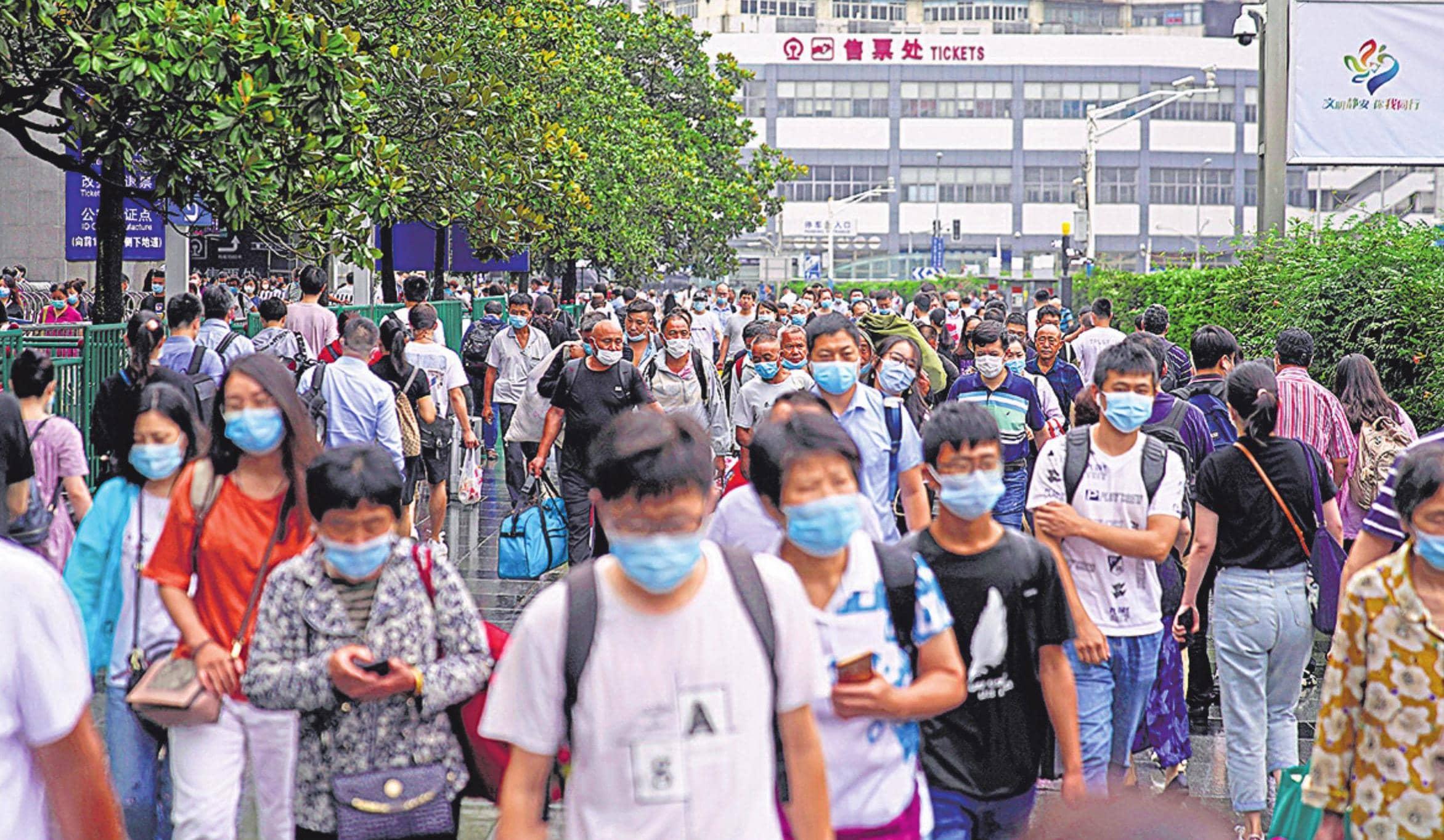 राहत: हवा में वायरस से सबको खतरा नहीं