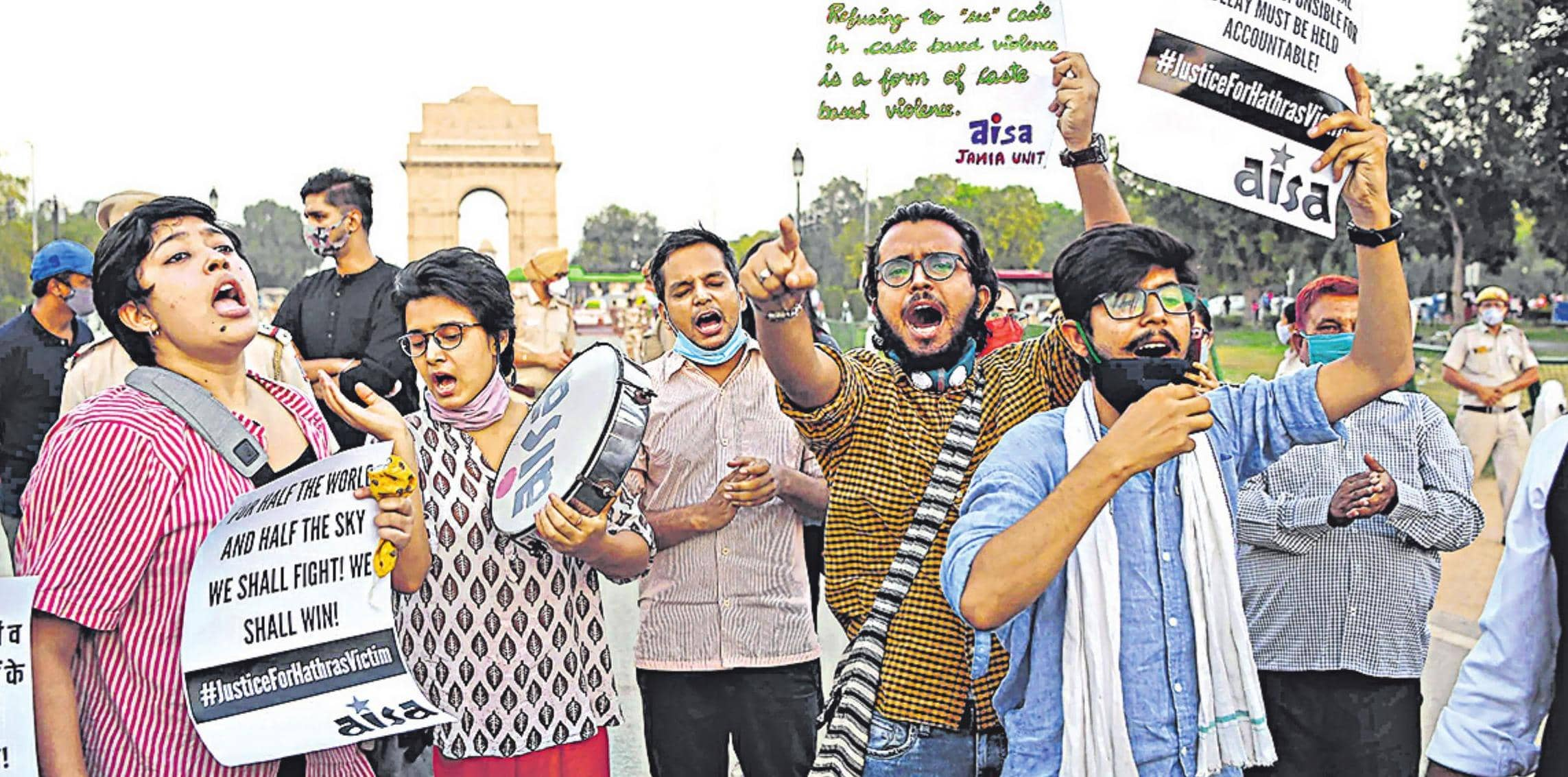 हाथरस मामले पर दिल्ली-एनसीआर में उबाल