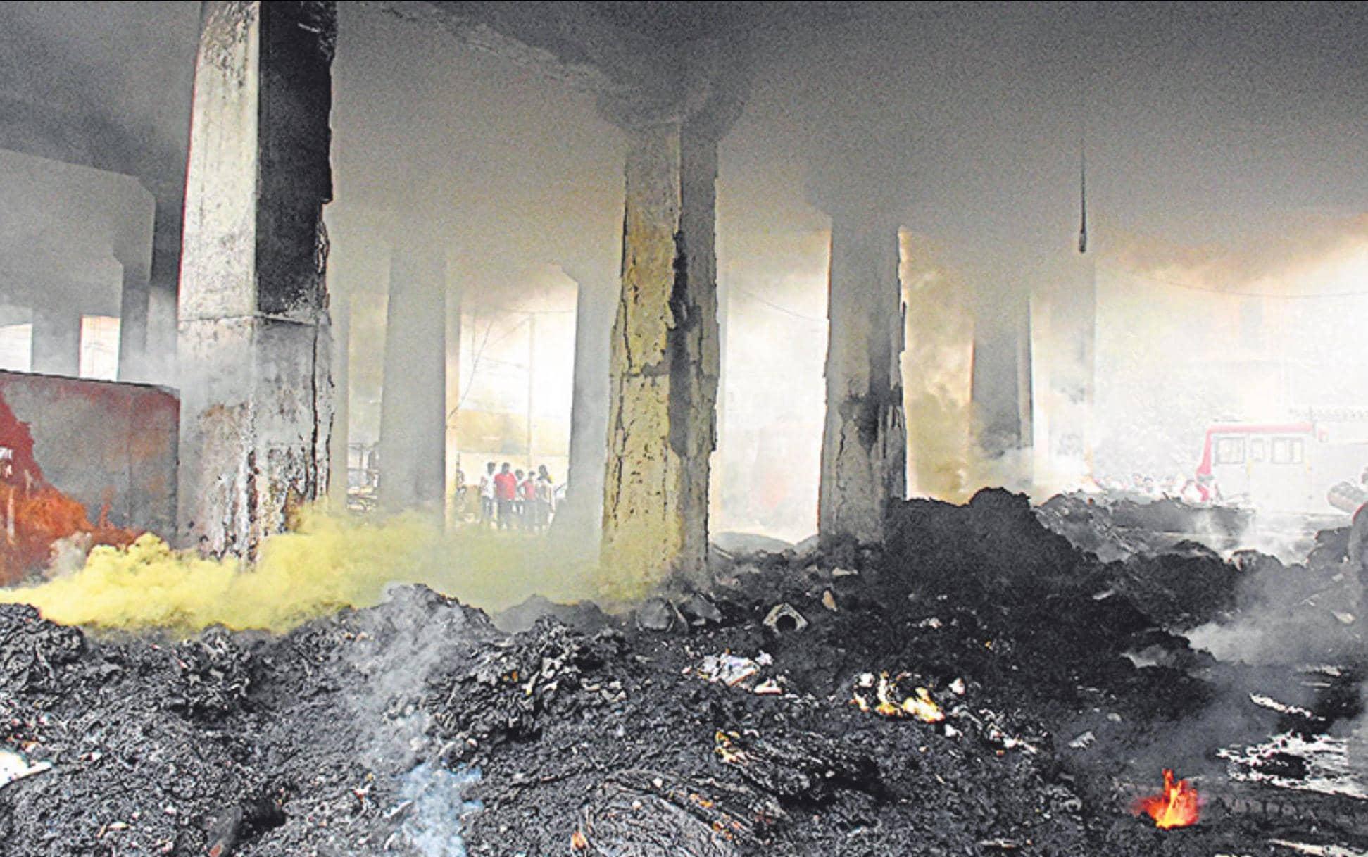फरीदाबाद में आग से पुल क्षतिग्रस्त,लेन बंद