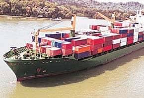 बंदरगाहों से छोड़े जा रहे चीन के कंटेनर