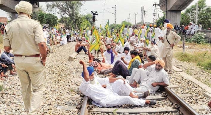 किसान आंदोलन का रेल पर असर