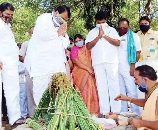 నిజాంసాగర్ పరవళ్లను సందర్శించిన 'సభాపతి పోచారం'