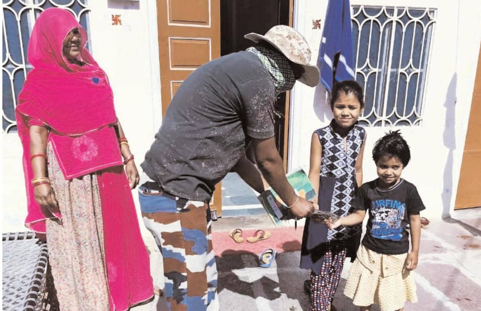 युवाओं कोरोना जंग-जीवन संघर्ष टीम ने 1200 परिवारों को खाद्य सामग्री करवाई मुहैया