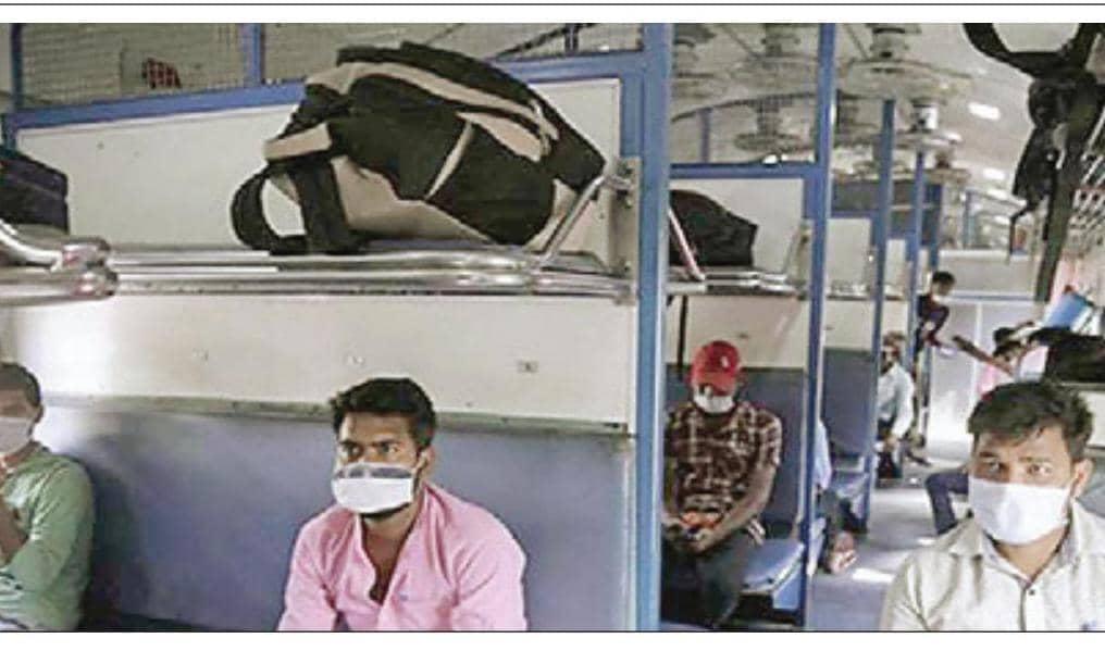 रेलवे ने नहीं बेचा प्रवासी मजदरों को कोई टिकट