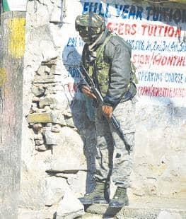 कश्मीर में हिज्बुल मुजाहिदीन के दो आतंकवादी ढेर