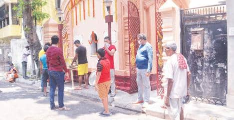 बंगाल में खुले धार्मिक स्थल, कम संख्या में लोग पहुंचे