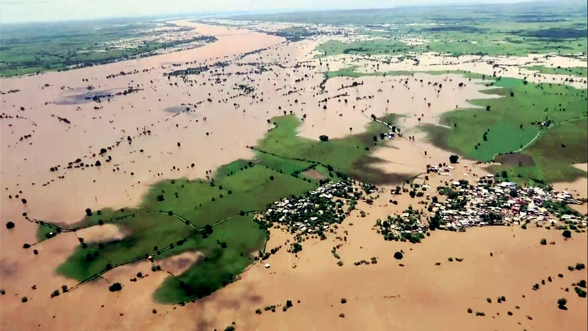 कोविड के साथ अब बाढ़ का कहर