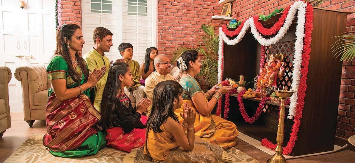 सकारात्मक सोच एवं शांति हेतु करें घर में पूजा-पाठ
